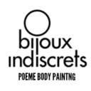 Disfrutar del erotismo de pintar un cuerpo con pintura comestible. Y, luego comértela a besos